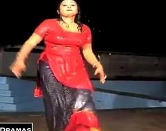 experimental rain mujra salwar utar rahi hai